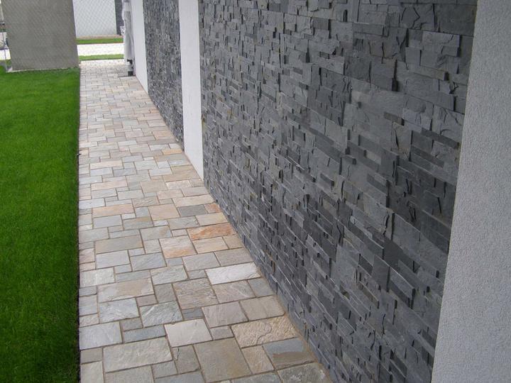 obklady a dlažby z prírodného kameňa (nie betonové a sadrové imitacie) - original kamenný obklad black slate