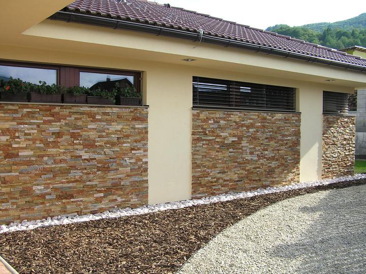 obklady a dlažby z prírodného kameňa (nie betonové a sadrové imitacie) - Golden kvarcit edge (60kg/m2) na zateplenej budove