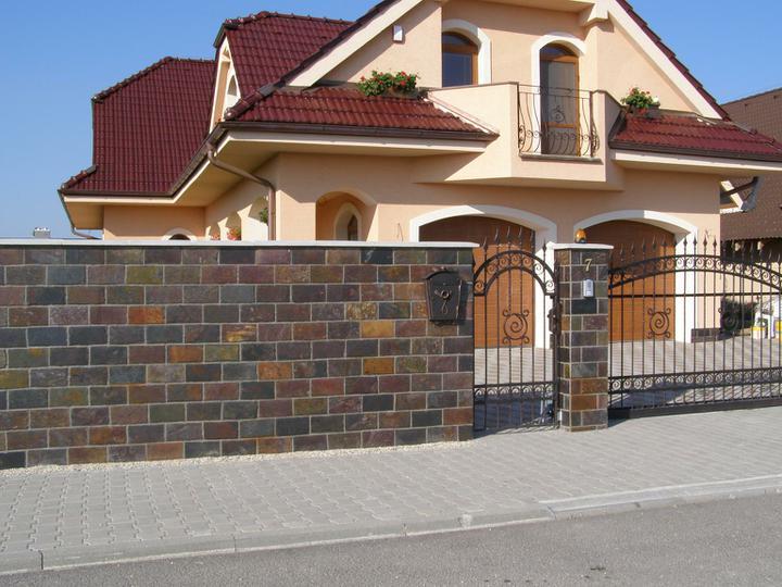 obklady a dlažby z prírodného kameňa (nie betonové a sadrové imitacie) - ručne štiepaná bridlica Rusty 30x15x1 cm 24,48.-eur/m2