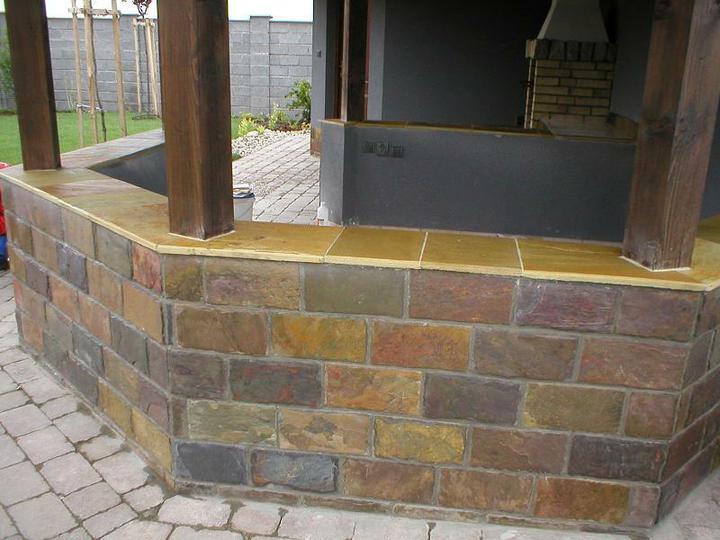 obklady a dlažby z prírodného kameňa (nie betonové a sadrové imitacie) - altánok s obkladom Rusty 30x15x1 cm