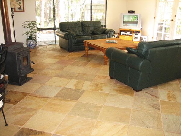 obklady a dlažby z prírodného kameňa (nie betonové a sadrové imitacie) - ´tažká dlažba v interiery