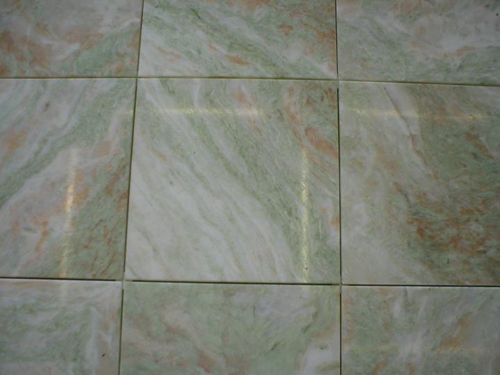 obklady a dlažby z prírodného kameňa (nie betonové a sadrové imitacie) - lady onyx 305x305x10 mm 59,75.-eur/m2