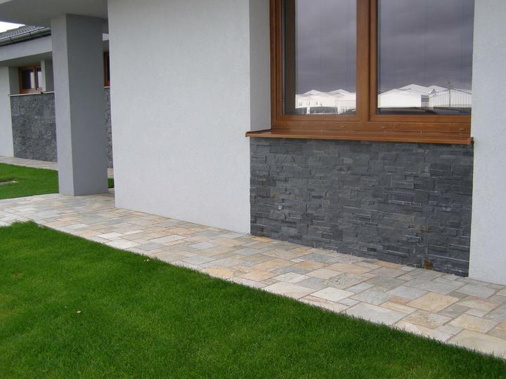 obklady a dlažby z prírodného kameňa (nie betonové a sadrové imitacie) - obklad black slate dlažba šedožltý kvarcit
