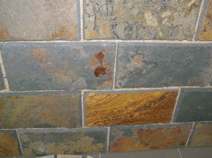 obklady a dlažby z prírodného kameňa (nie betonové a sadrové imitacie) - Rusty,tvrdá bridlica ručne opracovaná 15x30x1 cm za 24,48.-eur/m2