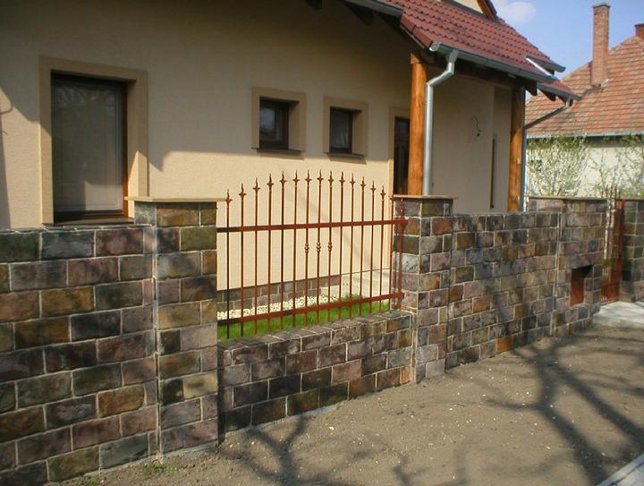 obklady a dlažby z prírodného kameňa (nie betonové a sadrové imitacie) - Bridlicový obklad Rusty 30x15x1 cm
