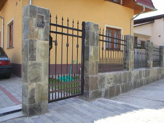 obklady a dlažby z prírodného kameňa (nie betonové a sadrové imitacie) - Obrázok č. 74