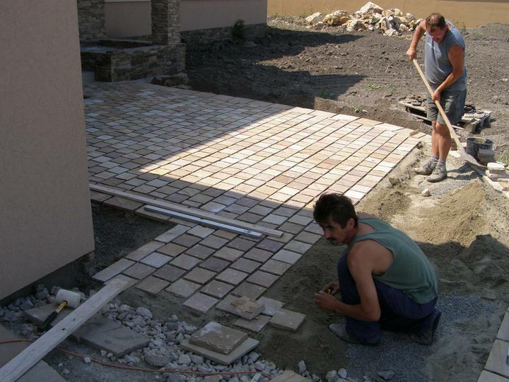 obklady a dlažby z prírodného kameňa (nie betonové a sadrové imitacie) - Obrázok č. 39