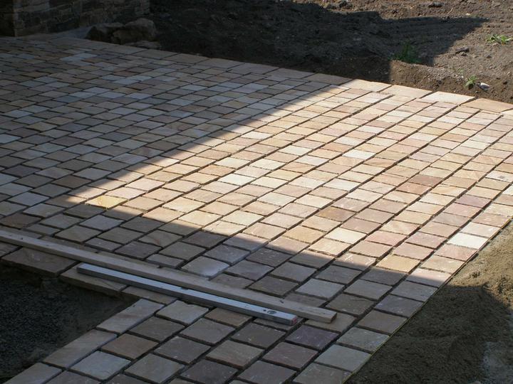 obklady a dlažby z prírodného kameňa (nie betonové a sadrové imitacie) - Obrázok č. 35