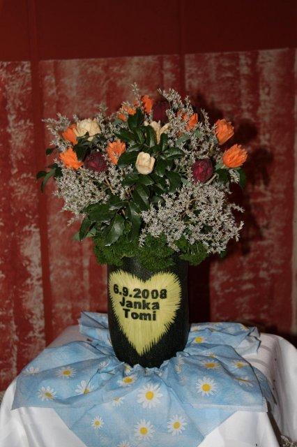 Prípravy a výzdoba - tak táto kytica je zo zeleniny (mrkva, petržlen a červená repa )