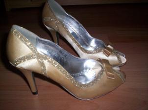 chcela som sandálky...ale tieto ma oslovili...