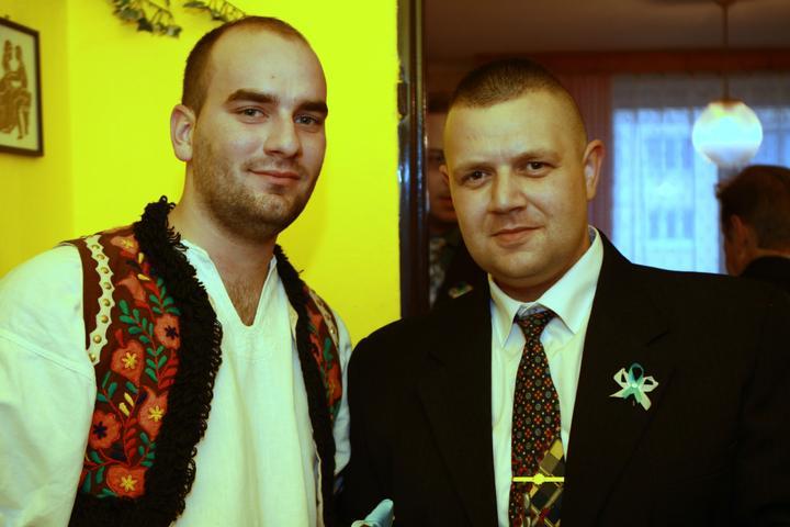 Pavla Jakabová{{_AND_}}Zoltán - manželíkov svedok Kajko spolu s odpytávačom.. :D