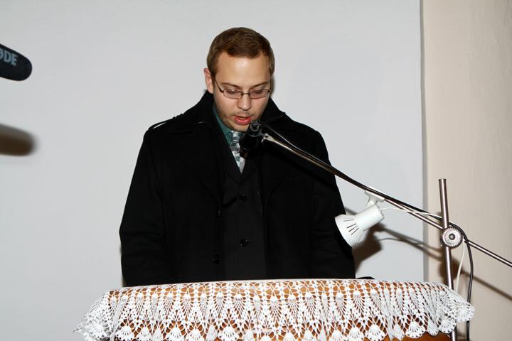 """Pavla Jakabová{{_AND_}}Zoltán - """"Švagrík"""" číta sv. písmo"""