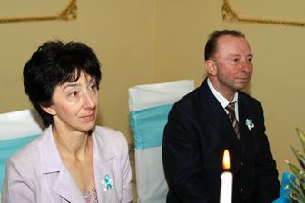 Moja maminka s krsným tatom - keď už sa môj ocík nedostavil ani na sobáš... :(
