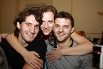 Tááák a táto trojica sa postarala o najväčšiu zábavu - z ľava Ivo, Monika (pár) a fotograf Martin (Monikin brat)