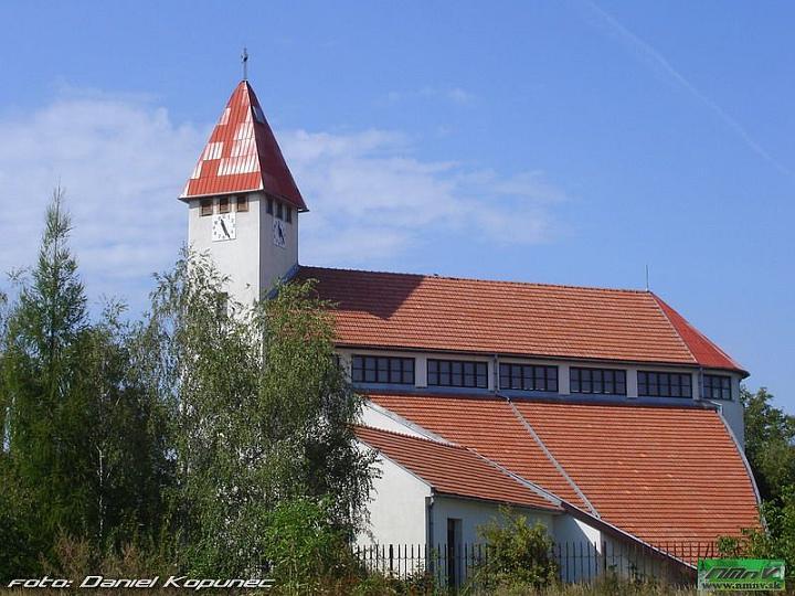 26.04.2014.......a bude svadba - Kostol v Castkovciach.....tu by sme si mali povedat Ano...lepsia foto nebola