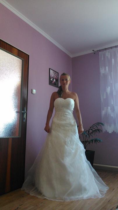 26.04.2014.......a bude svadba - Moje šatky....
