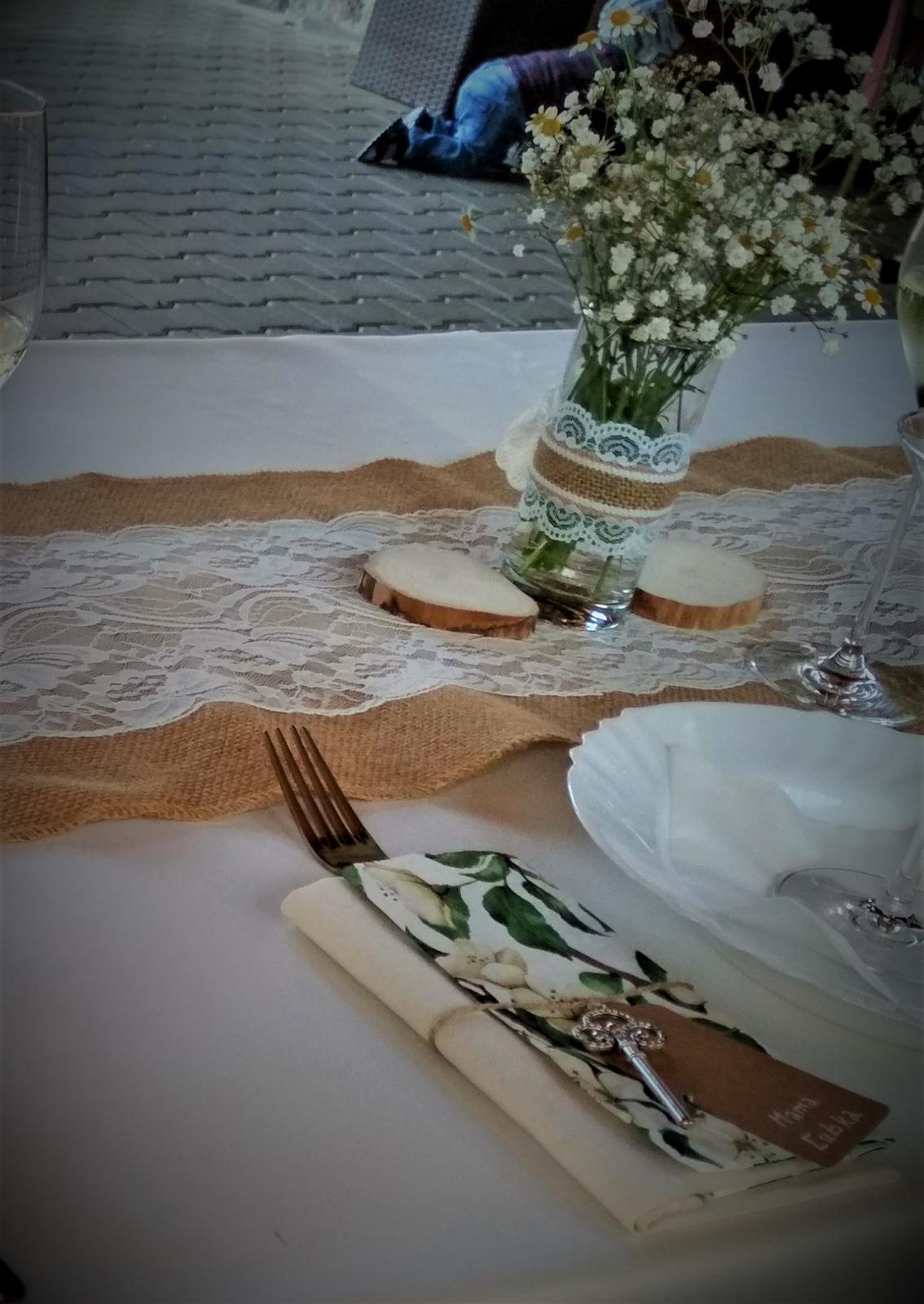 Jutový pás na stôl s krajkou - Obrázok č. 2
