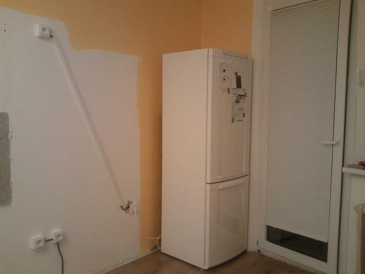 Moja vysnívaná kuchyňa - chladnička je už na svojom mieste