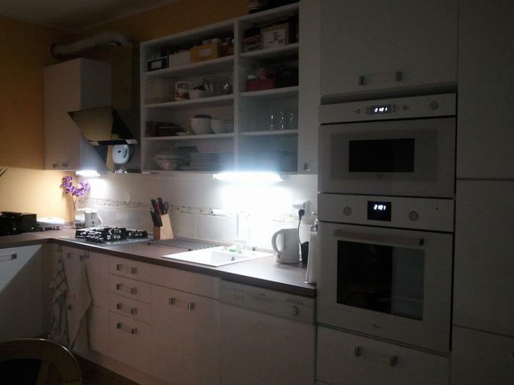 Moja vysnívaná kuchyňa - žiaľ zabudli nám dodať tri kusy dvierok,musím si počkať, aj to sa stáva :-P