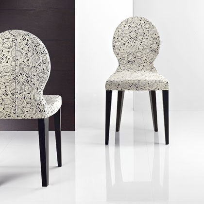 Moja vysnívaná kuchyňa - Táto stolička ma uchvátila, vyzerá perfektne len nohy sa k tomu stolu nehodia, tuším ešte budem kombinovať :-D a drahému sa nepáči, bolo by načim ho spracovať :-D