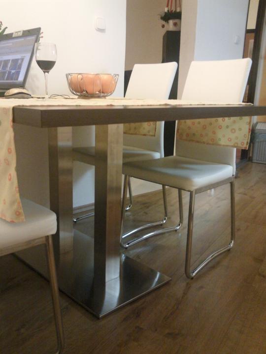 Moja vysnívaná kuchyňa - detail stola