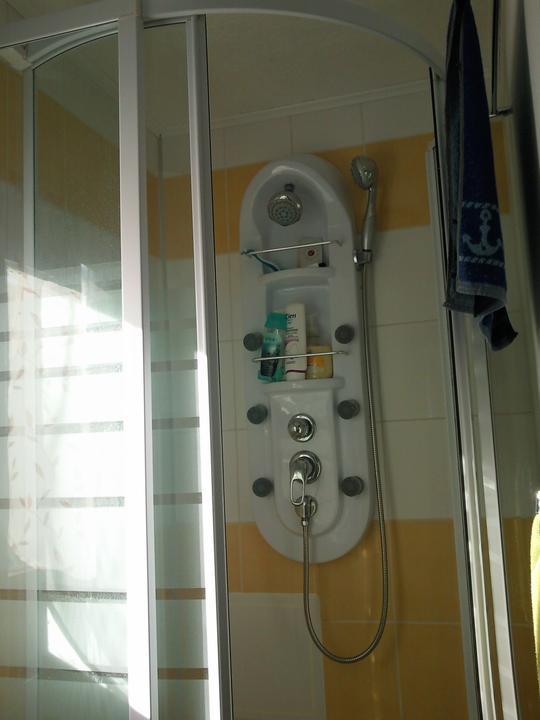 Príbeh našej záhrady/chatky, príp. čo sa mi páči - naša masážna sprcha :-) po práci príde vhod