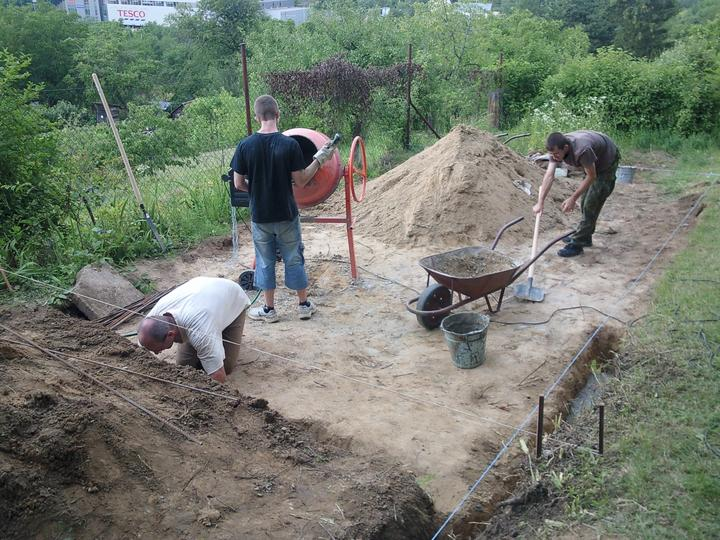 Príbeh našej záhrady/chatky, príp. čo sa mi páči - usilovné mravce pracujú :-)