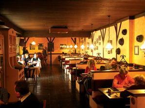 v salonku této restaurace bude hostina