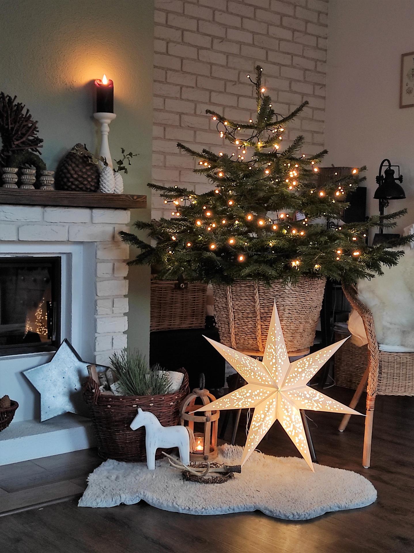 Advent a Vianoce 2020 u nás doma - Keď sa vám zrazu stromček zosype celý na zem a máte šťastie, že je ešte jeden na terase...zmena je život