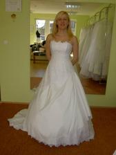 prvé svadobné šaty, ktoré som mala na sebe v mojom živote, salón EL-BA