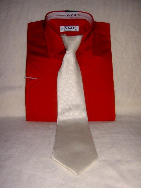 Jojka a Alexík-16.8.2008 - drahého košeľa po polnoci, budeme ladiť..aj s kravatkou..
