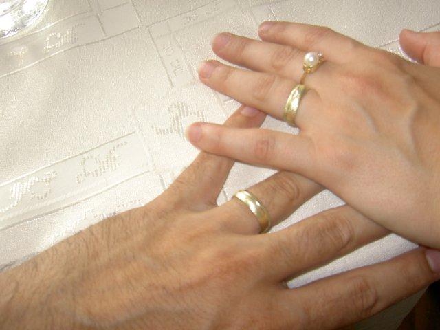 Jojka a Alexík-16.8.2008 - obrúčky už doma...sú krajšie ako sme čakali..