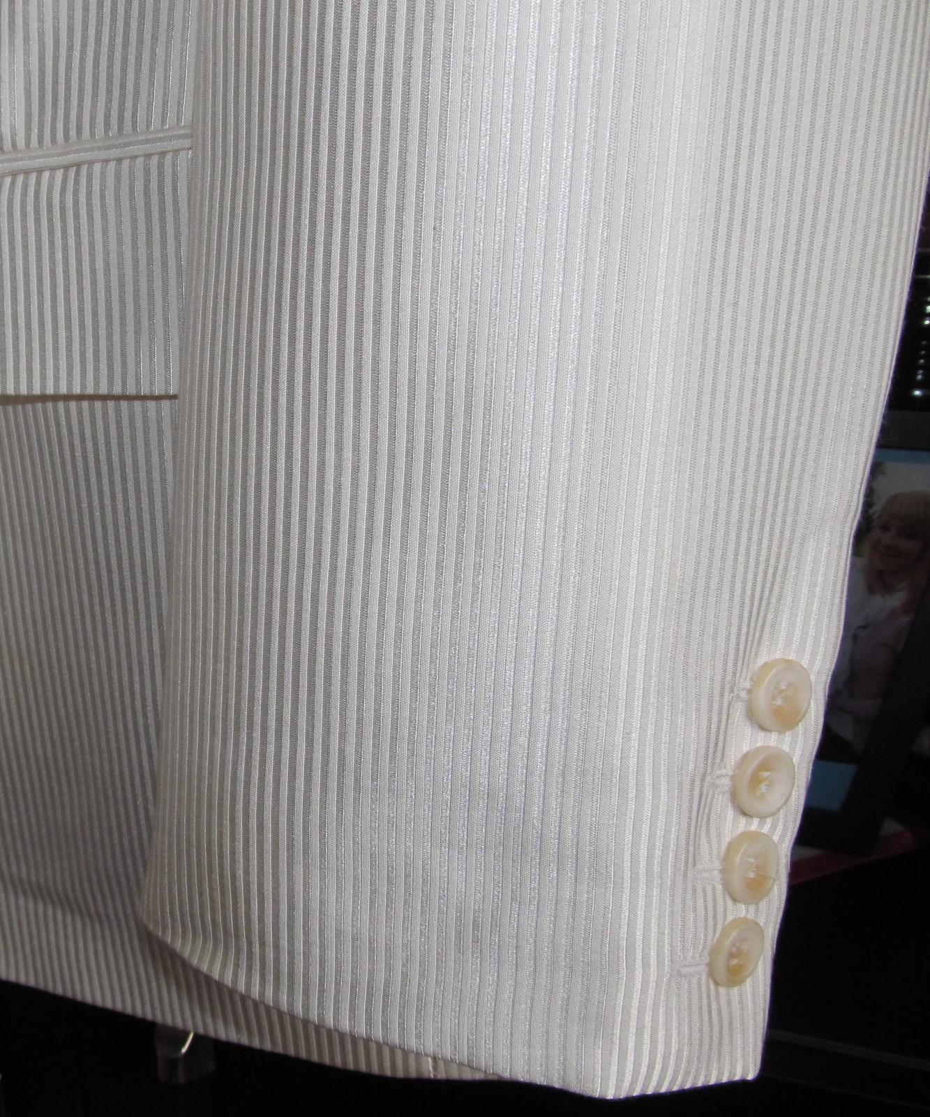 Lesklý svadobný oblek- krémová farba - Obrázok č. 3