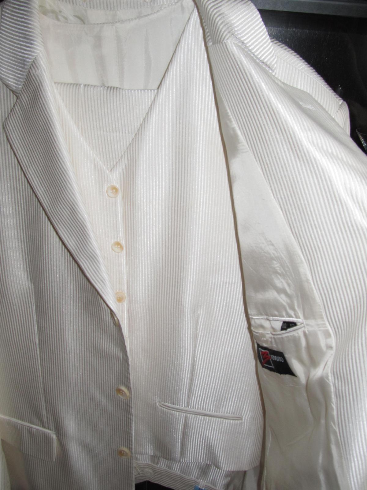 Lesklý svadobný oblek- krémová farba - Obrázok č. 4
