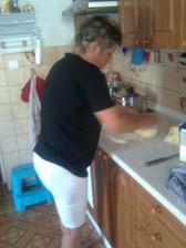 mamina dělá knedlík