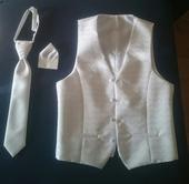 Svadobná vesta s kravatou a vreckovkou, 48