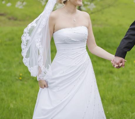 Svatební šaty vel.40 - Obrázek č. 1