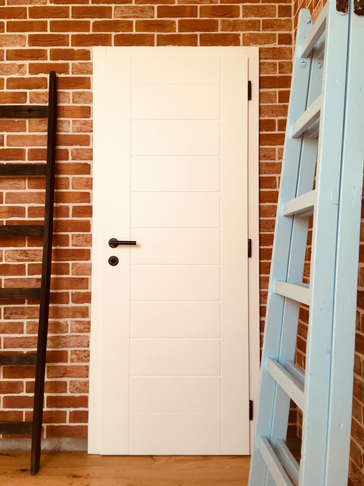 Poctivé masívne interiérové dvere s oblozkovou zarubnou - Obrázok č. 1