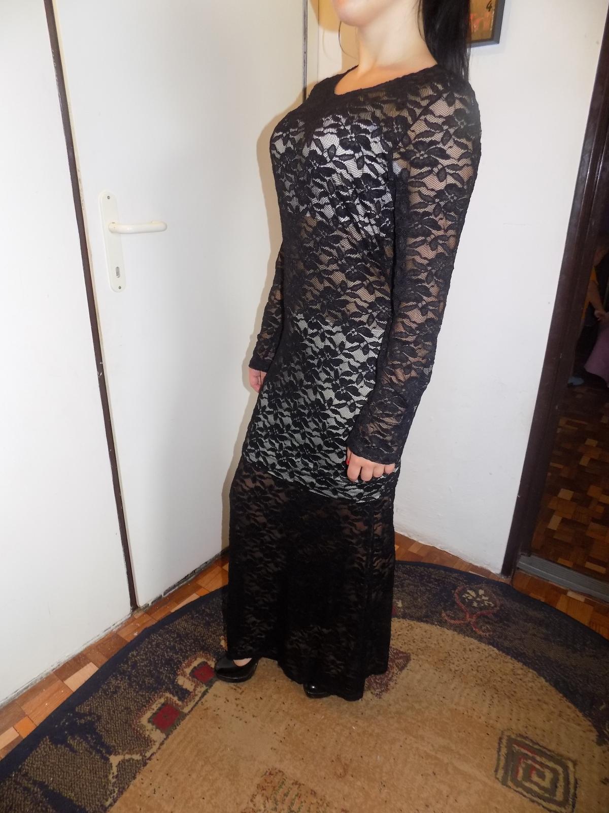 Zaujímavé šaty  - Obrázok č. 2