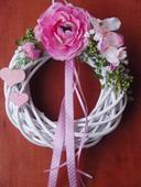 Venček v ružovom so srdiečkami,