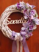 Veniec s fialovými kvetmi s nápisom Svadba 31cm,