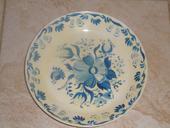 Malovaný plastový talíř,