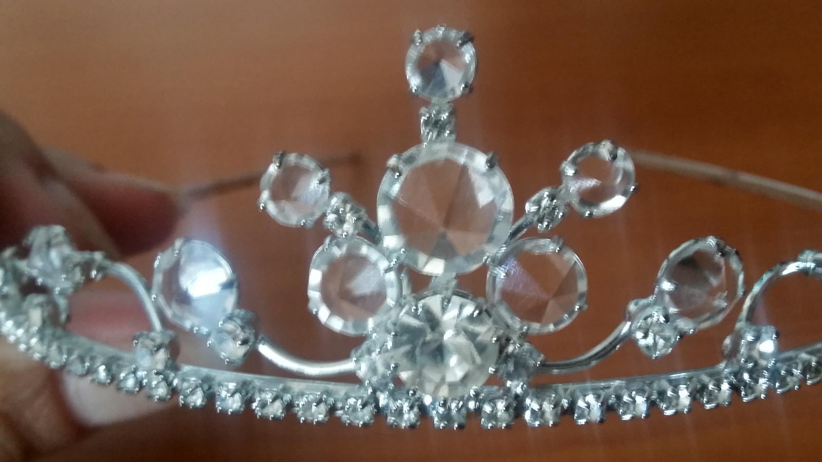 Korunka s krystalky - Obrázek č. 1