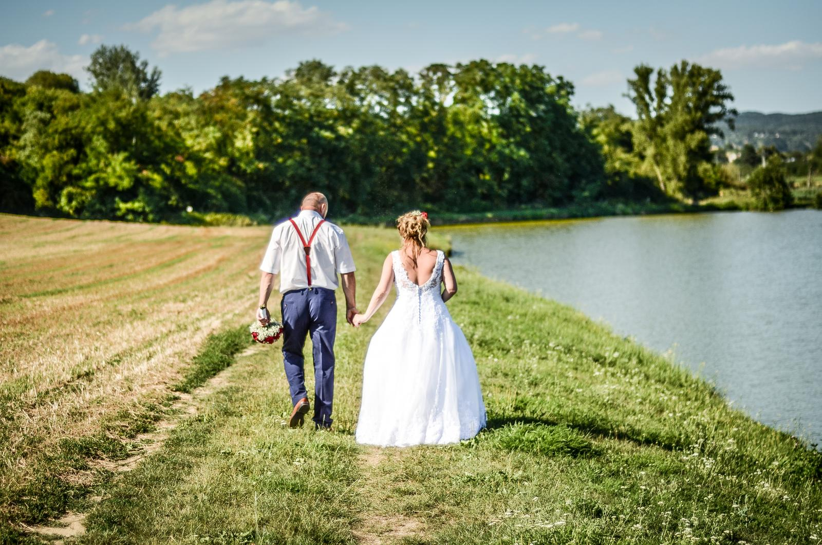 Svatební šaty vel. 40-44 - Obrázek č. 3