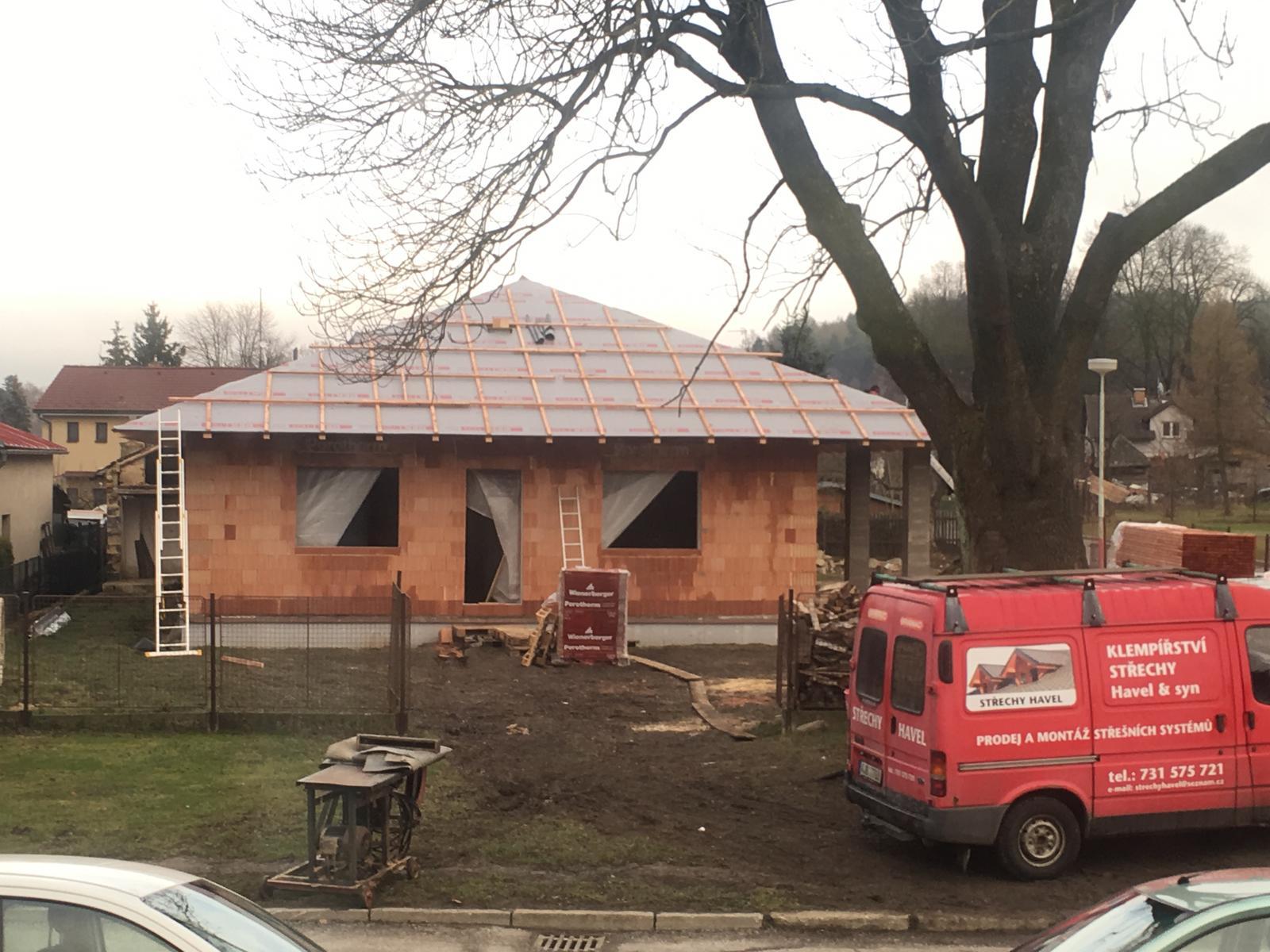 Stavíme si náš sen - Prosinec 2017 - začínáme střechu