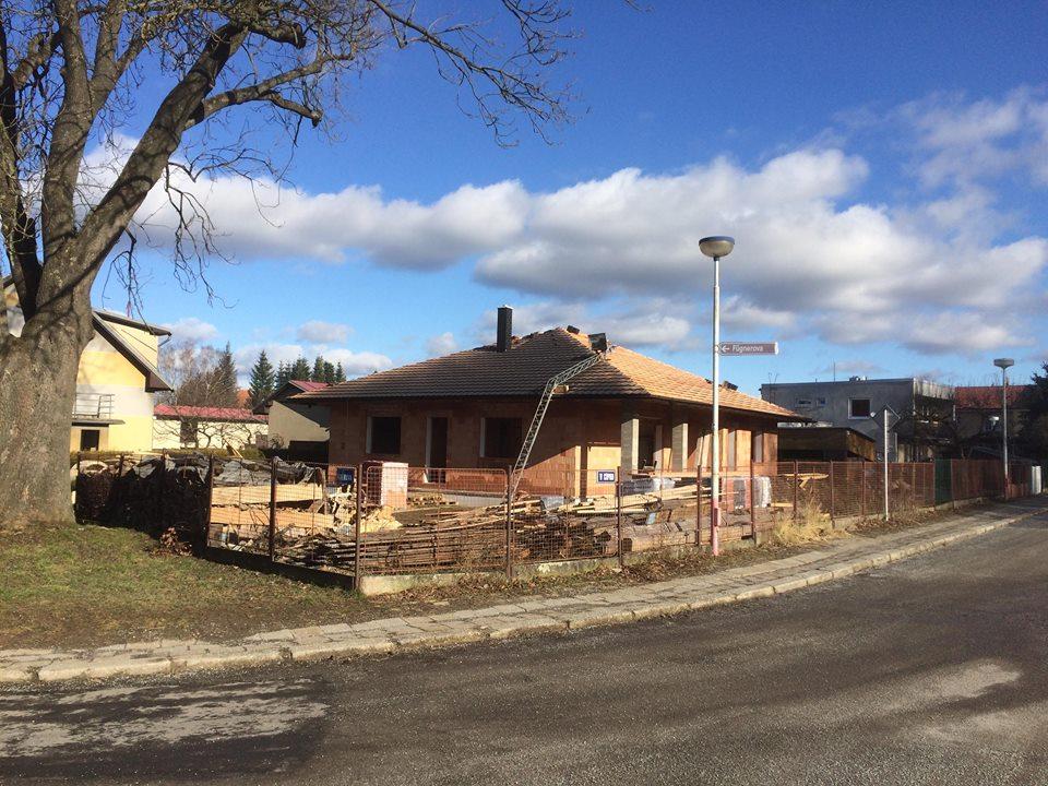 Stavíme si náš sen - Leden 2018 - střecha se dokončuje