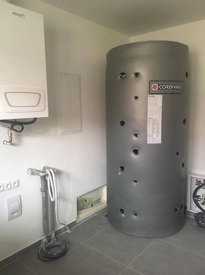 Stavíme si náš sen - Říjen 2018 - akumulační nádrž s bojlerem
