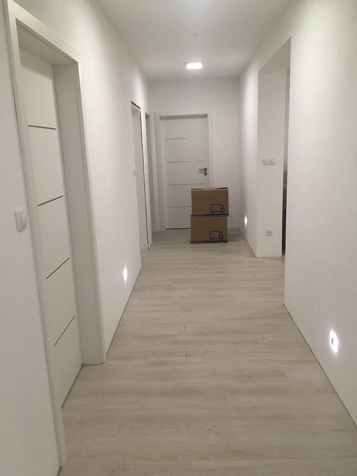Stavíme si náš sen - prosinec 2018 - dveře Sapeli Lotos