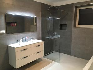 Prosinec 2018 - koupelna dokončena