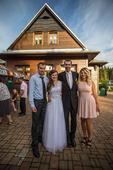 Jednoduché bílé svatební šaty s krajkou, 38